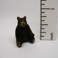 "1/4"" bear sitting up"