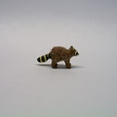"1/144"" raccoon walking"
